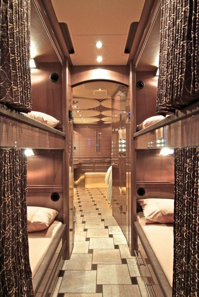 reclining bunks in custom coach to comply with Tenn. seat belt law